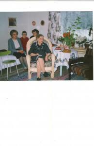 Eeva-äiti ystävineen 80-vuotiaana 7.2.1991
