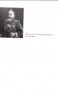 Matti Kuula 1911 paraatiasussa